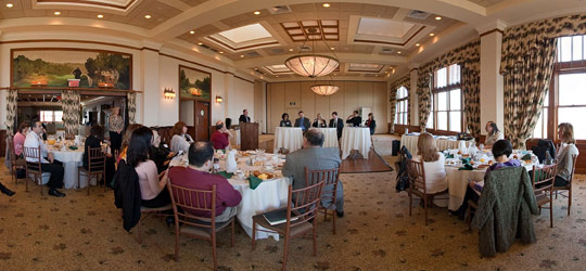 Thumbnail image to experience 360° interactive panorama of marketing discussion panel.